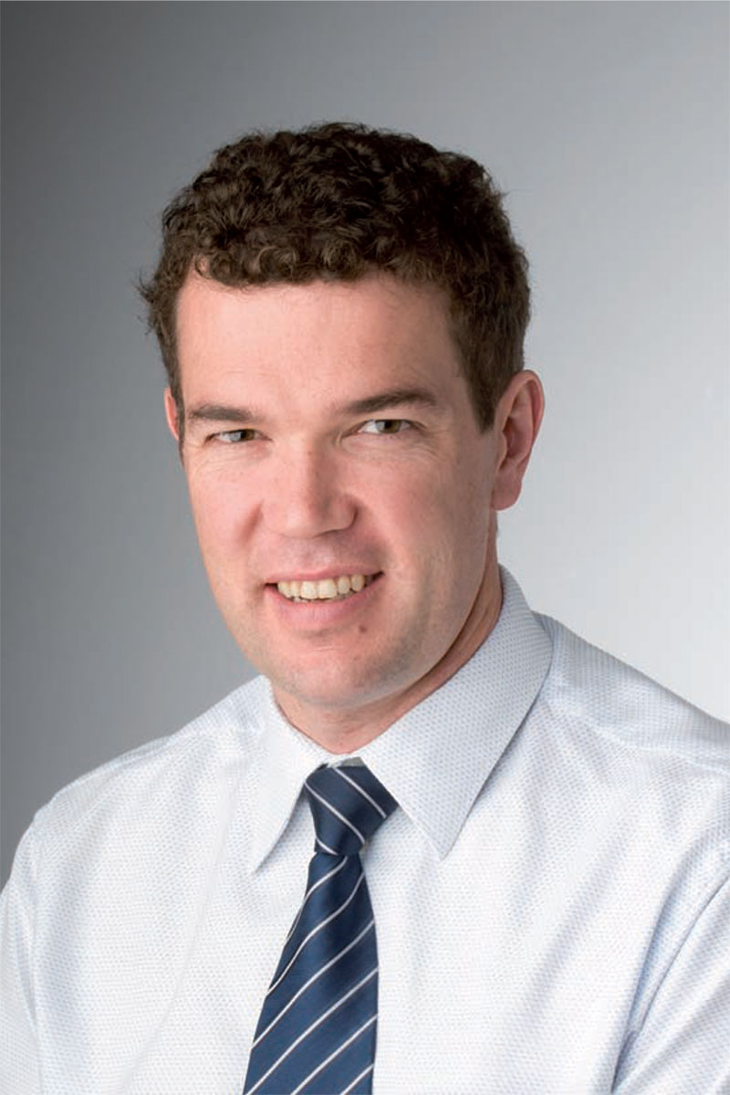 Dr Sam Willis