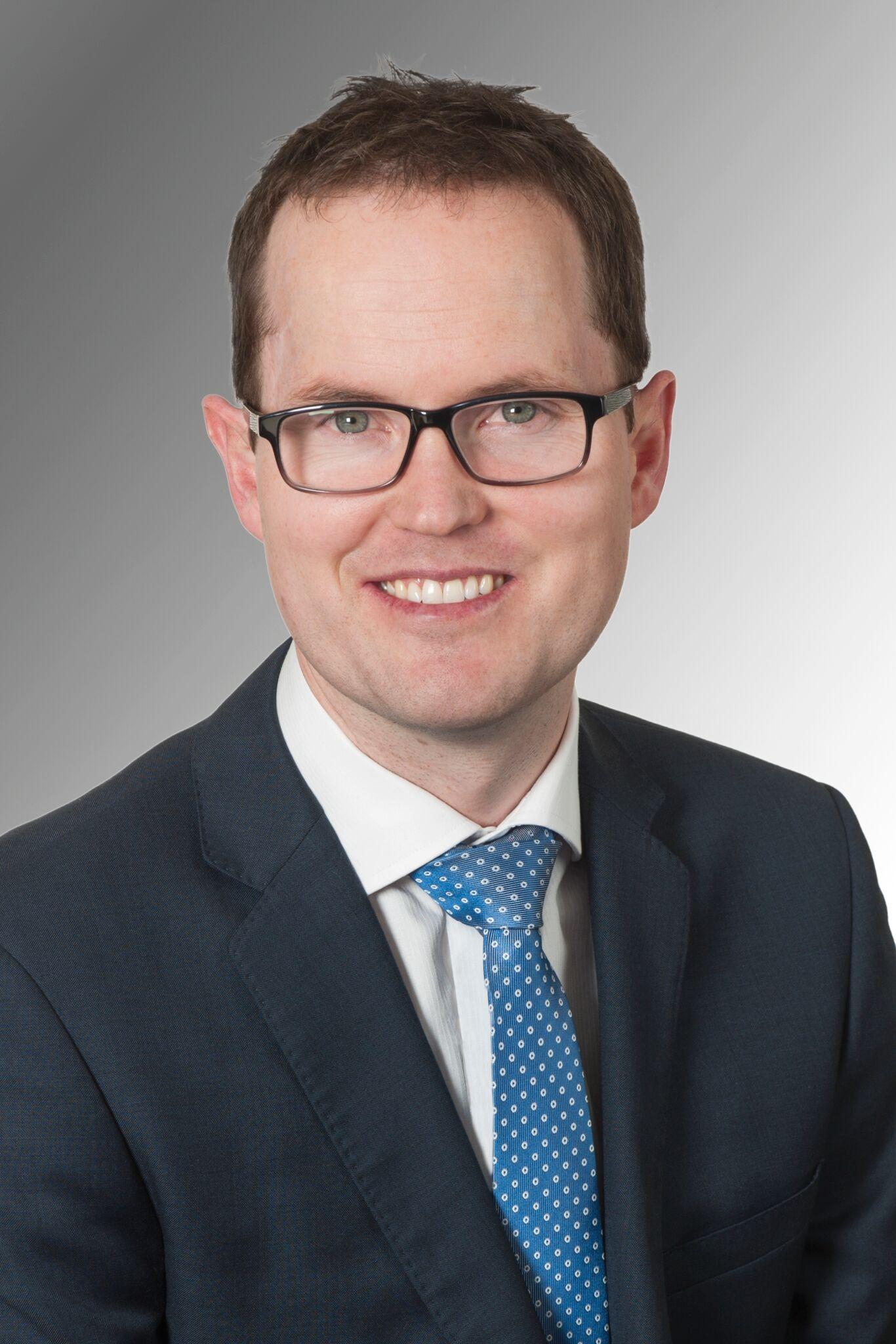 Dr James London
